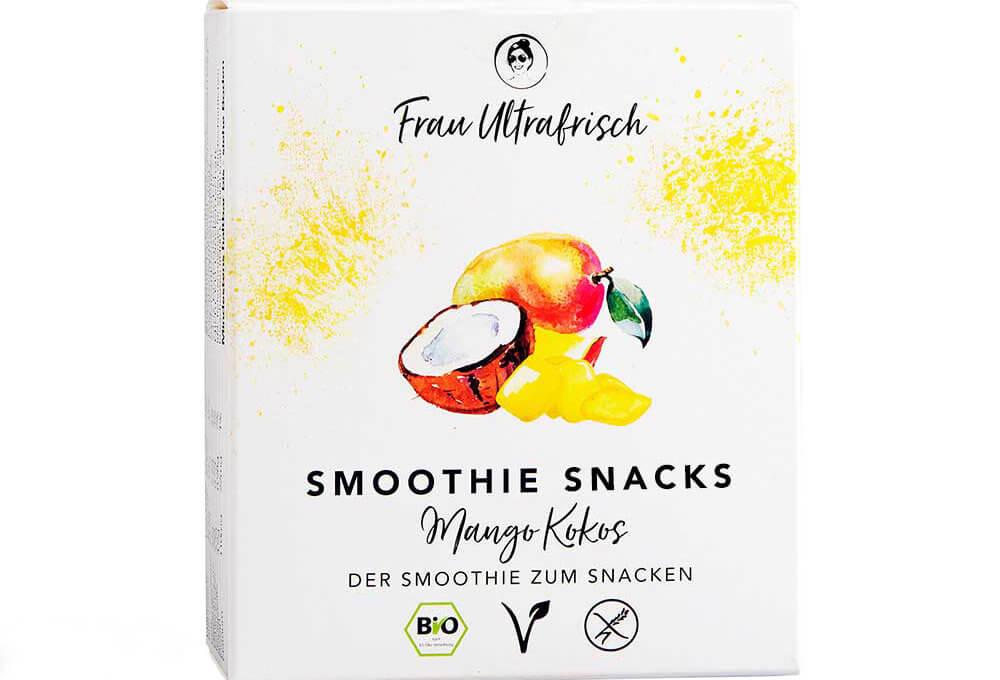frau ultrafrisch smoothie snacks mango kokos freisteller